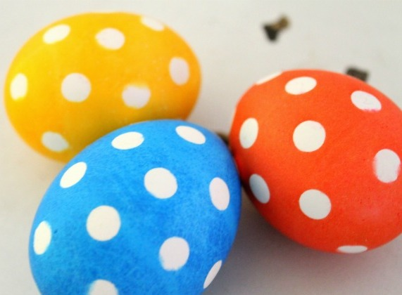 polka-dot-easter-eggs-1