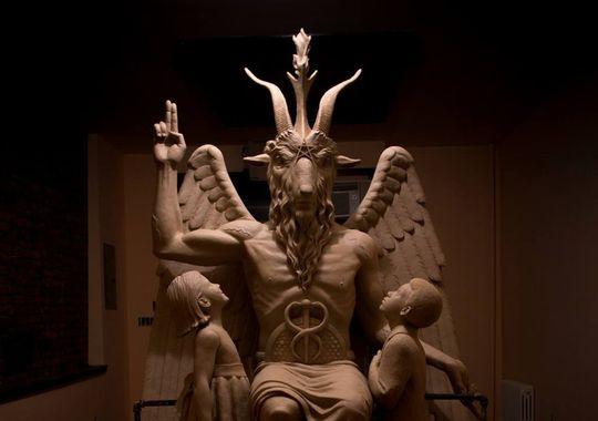 635503466085294082-satanists