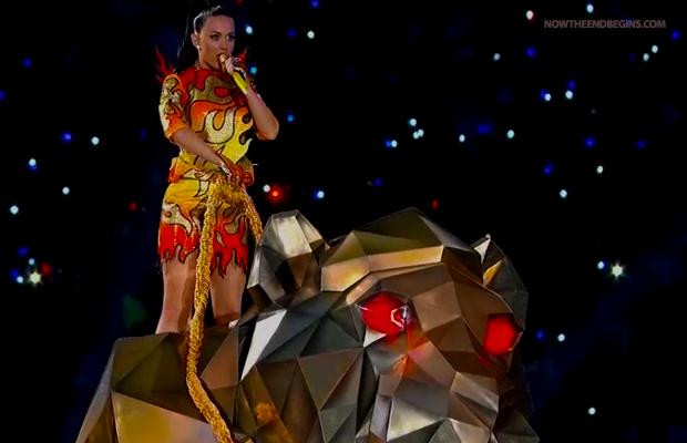 katy-perry-illuminati-princess-super-bowl-2015-new-world-order-nwo-pyramid-symbol-riding-monster
